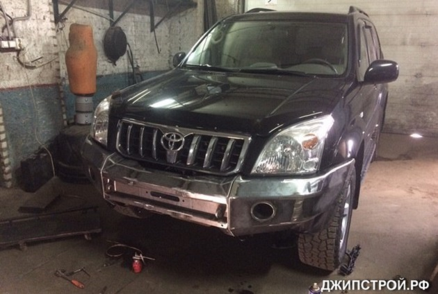 Передний силовой бампер на Toyota Land Cruiser Prado 150