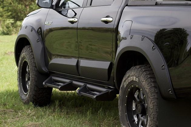 Расширители колёсных арок Toyota Hilux Revo 50 мм