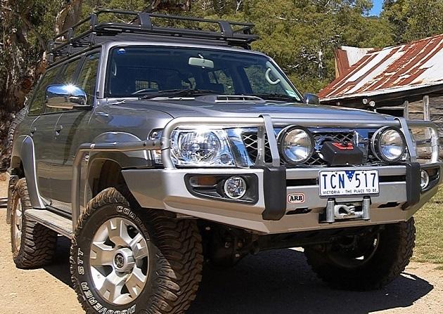 Пороги ARB с защитой крыла для Nissan Patrol Y61 LWB до 10 / 2004 года.