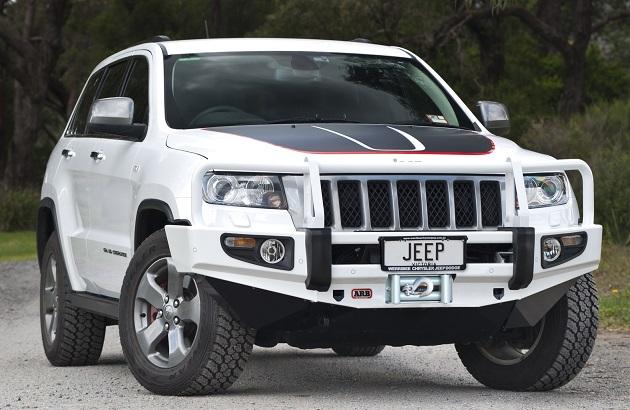 Бампер передний ARB Deluxe для Jeep Grand Cherokee WK2 с 2011 до 2013 года.