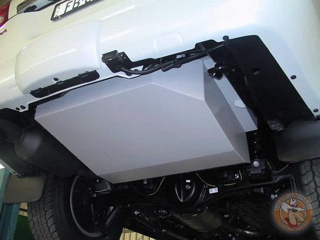 Дополнительный топливный бак 180 литров для Toyota LC 200