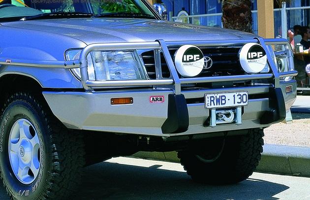 Бампер передний ARB Deluxe для Toyota Land Cruiser 105 до 2002 года.