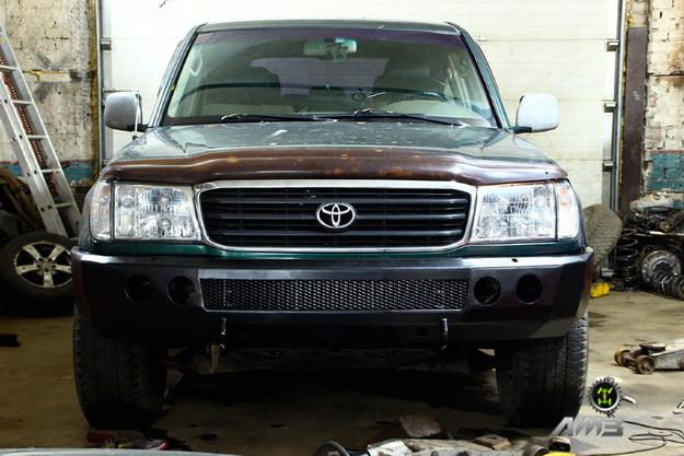 Передний силовой бампер Toyota Land Cruiser 105