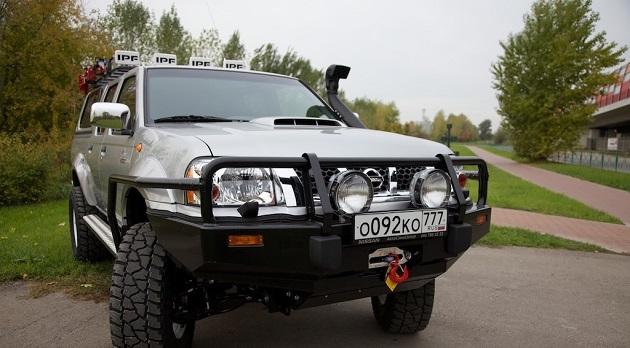 Бампер передний ARB Deluxe для Nissan NP300