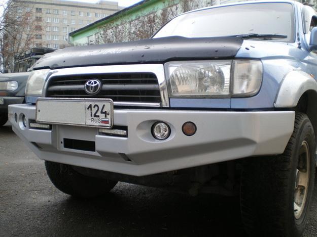 Бампер передний Toyota