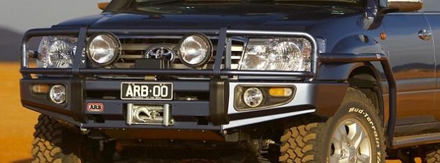 Бампер передний ARB Deluxe для Toyota Land Cruiser 105 с 2002 года.