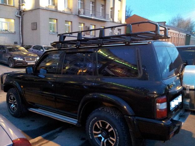 Габаритные размеры багажника до 220х125х19.