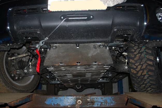 Лебедка в штатный бампер Toyota Tundra / Sequoia.