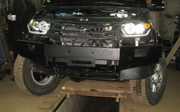 Передний силовой бампер на УАЗ Патриот с площадкой под лебедку