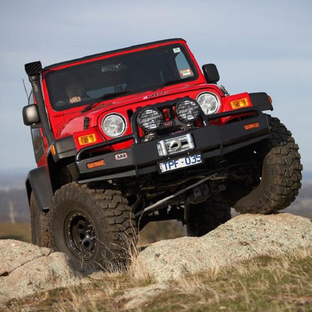 Бампер ARB: Deluxe Winch Bar Jeep Wrangler TJ