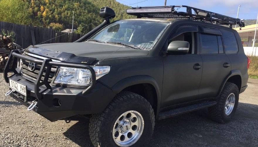 Силовой бампер передний Toyota Land Cruiser 200