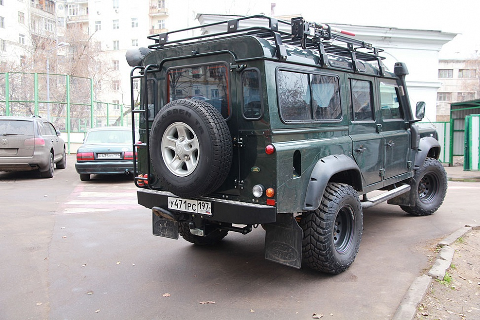 Бампер задний Land Rover Defender