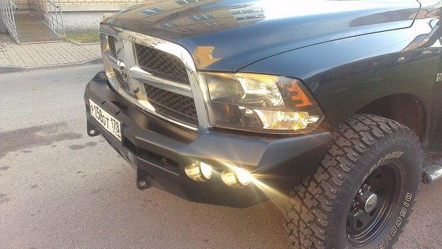 Бампер передний силовой на Dodge Ram