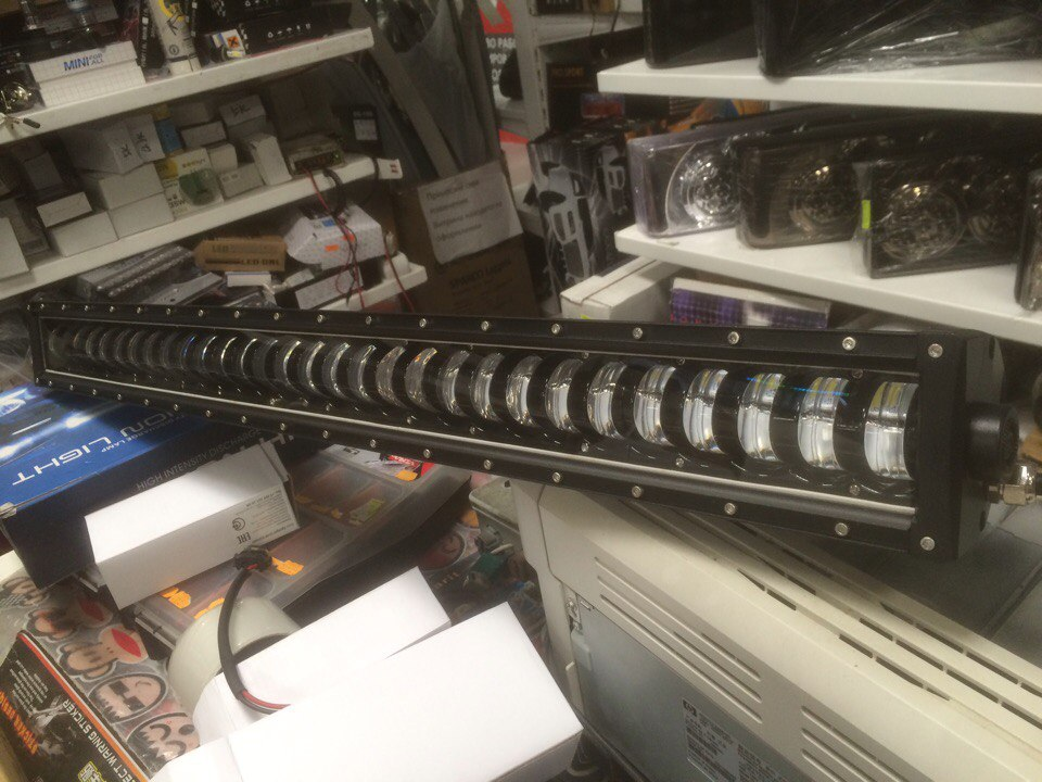 Фара светодиодная 400W 50 диодов один ряд по 8W