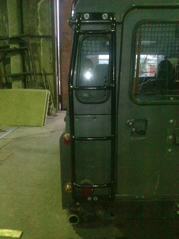 Лестница на багажник Land Rover