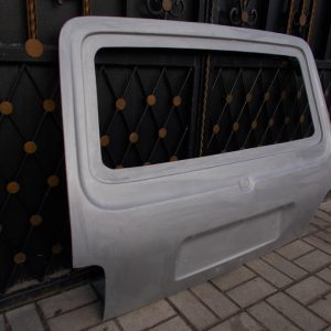 Стекло-пластиковая дверь задка ВАЗ 21213